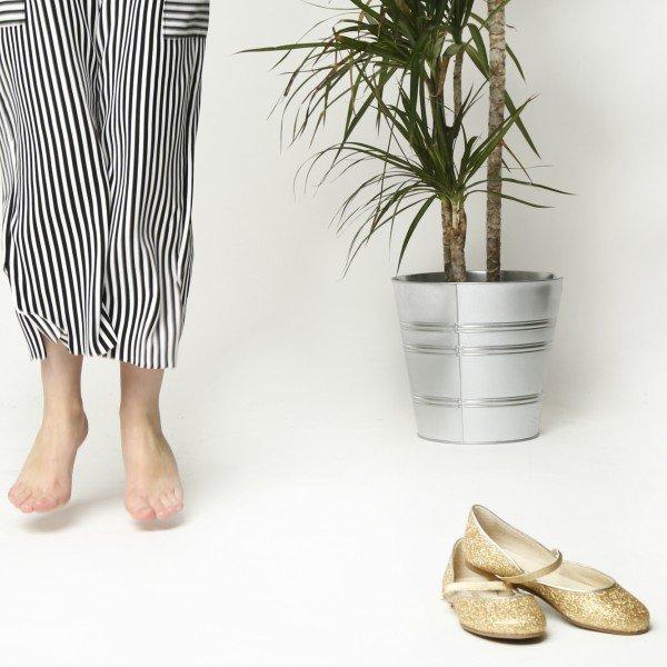 4 señales de que tu hijo lleva zapatos pequeños