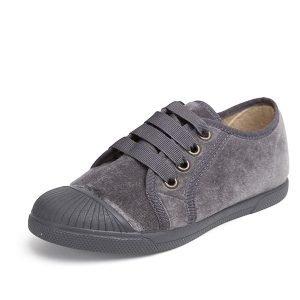 Zapatillas terciopelo y puntera gris